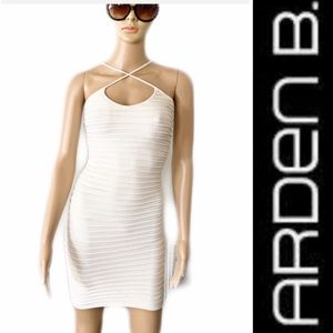 💃🏽 Arden B White Bodycon Mini Dress Size XS/S